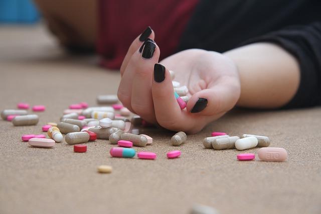 Cómo ayudar a una persona con pensamientos suicidas o que ha intentado suicidarse